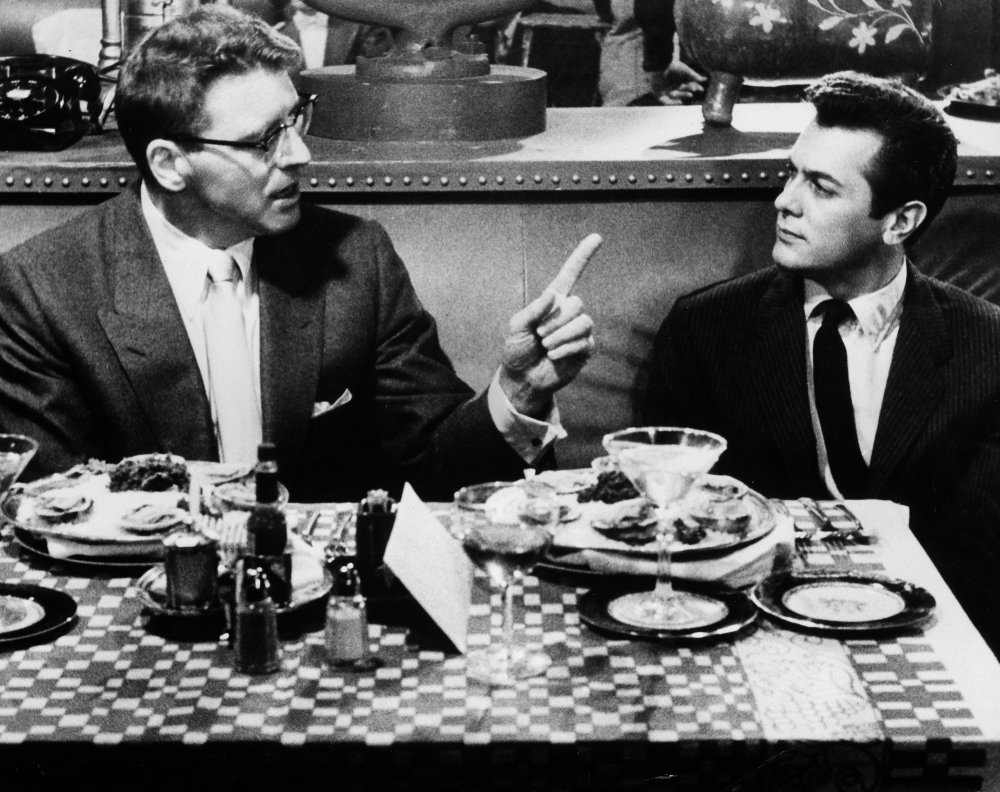 sweet-smell-of-success-1957-002-burt-lancaster-tony-curtis-cafe-table-00o-17x