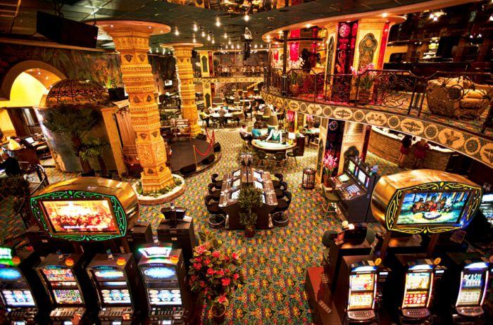 Игры на столах, современные автоматы и VIP отдых в SL Casino Riga