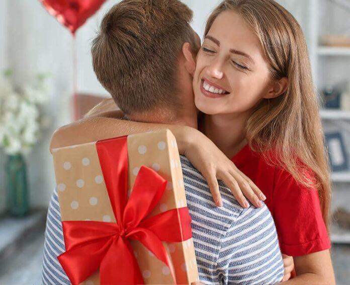 Как выбрать картину на холсте в подарок